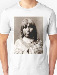 Native American Portrait: O Che Che - Mohave Woman Unisex T-Shirt
