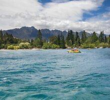 Hold On! Lake Wakatipu by glavery