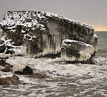 surrounded by ice by marco10
