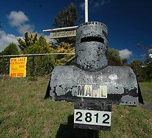 Letterbox (Ned Kelly helmet-shaped), Lue, NSW, Australia by muz2142