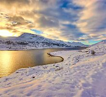 Loch Mullardoch by Fraser Ross