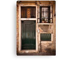 Una casa veneziana Canvas Print