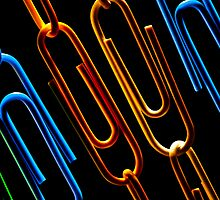 Paperclips Chains by Marc Garrido Clotet