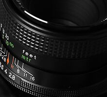 Photo Lens Detail by derausdo