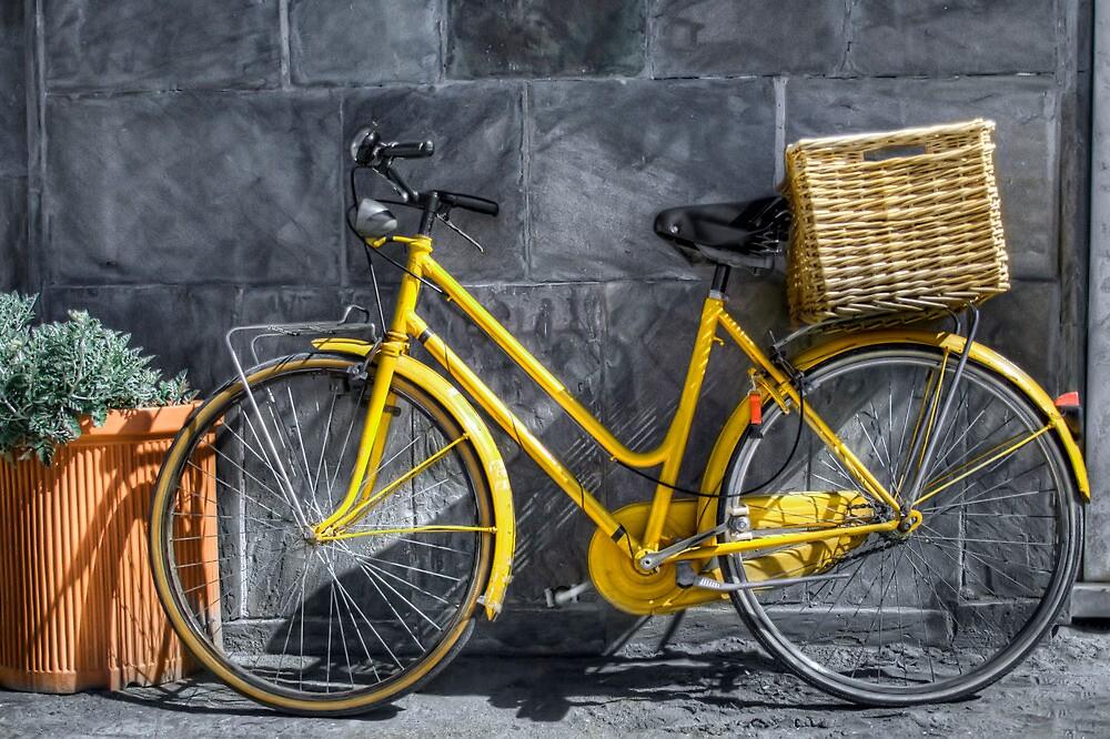 yellow bicycle by oreundici
