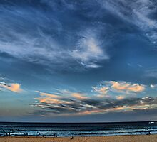 Twilight at Bondi beach by andreisky