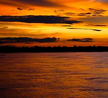 Mekong Sunset by ianclavis
