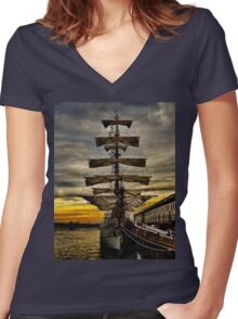 BAE Guayas Women's Fitted V-Neck T-Shirt