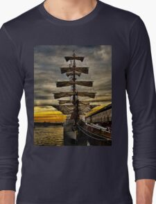 BAE Guayas Long Sleeve T-Shirt