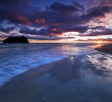 Maunganui day break by Ken Wright