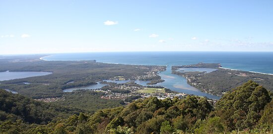 Curvature of the Earth - North Brother Mountain, NSW, Australia by SunnieGal