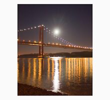 Lua cheia. Lisbon. Full moon. Unisex T-Shirt