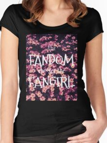 The Fandom Chooses the Fangirl Women's Fitted Scoop T-Shirt