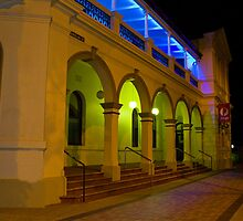 Bundaberg post office  by faulsey