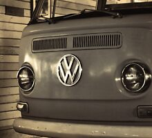 Retro Kombi by Trish Woodford