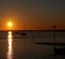 Leigh on Sea, Essex -  Winter Sunset by Dave  Frost