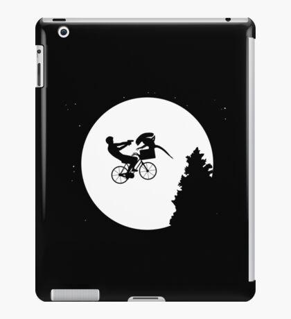 A.T: The Alien-Terror iPad Case/Skin