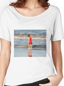 Little Girl On The Beach Women's Relaxed Fit T-Shirt