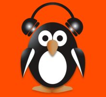 Penguin with headphones Kids Tee