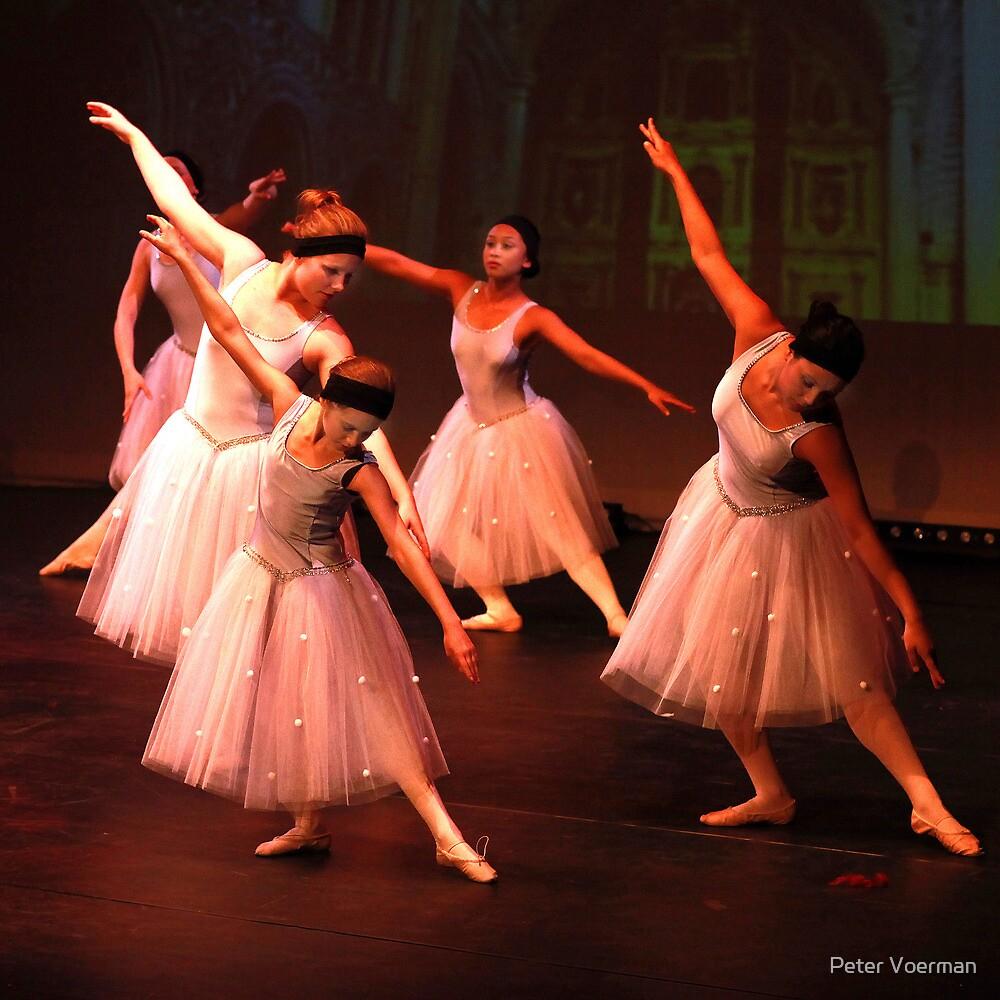 Dance #1 by Peter Voerman