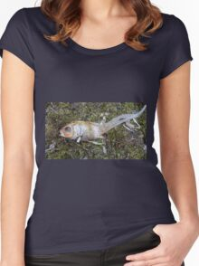 My goldfish has lost its color n°3 Women's Fitted Scoop T-Shirt