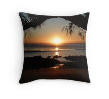 Moonee winter sunrise Throw Pillow