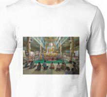 faithful Buddhists praying at sitting Buddha in golden Ponnya Shin Pagoda Unisex T-Shirt