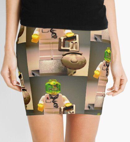 Doctor Toxic with Chainsaw, Custom Minifigure Mini Skirt