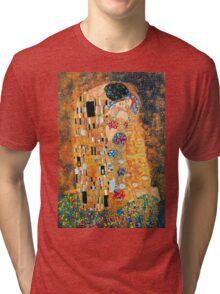 Gustav Klimt - The kiss  Tri-blend T-Shirt