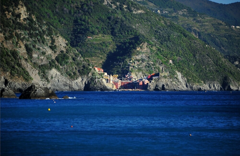 Vernazza from Monterosso by Robert Case