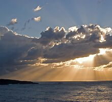 Sun burst @ Fingle Bay 2 by blueypics
