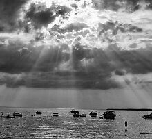 Sunrays in Black and white by GPMPhotography