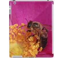 The Humble Bumble Bee iPad Case/Skin
