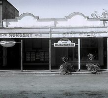 Main Street, Clunes (2) by Greg Carrick