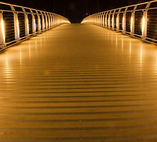 Passerelle at night by sboulanger