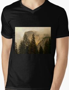 "Gold ""Rush"" in Yosemite National Park Mens V-Neck T-Shirt"