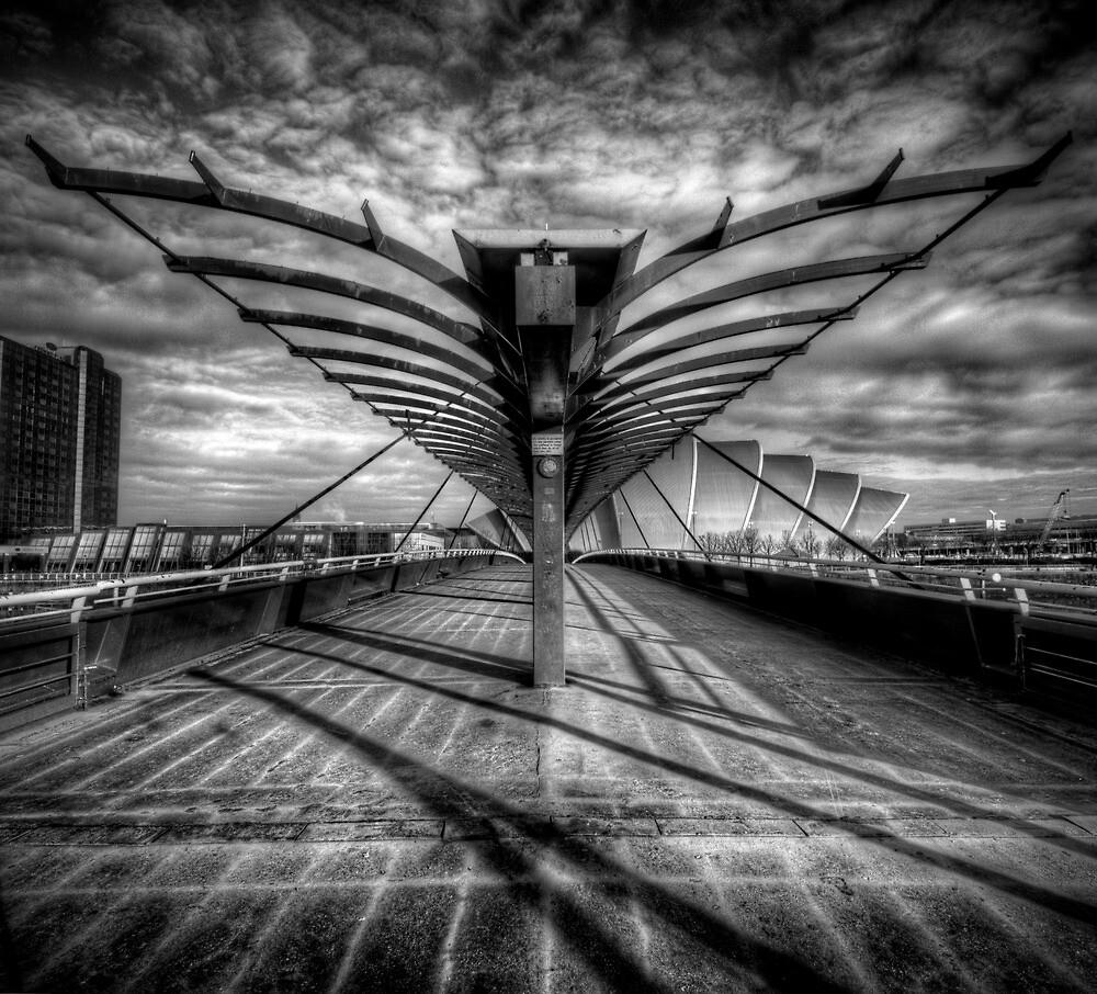 The Bells Bridge - Glasgow by Daniel Davison
