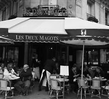 Les Deux Magots by Fiona Allan Photography