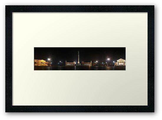 Hősök Tere by night (panoramic view) by zumi
