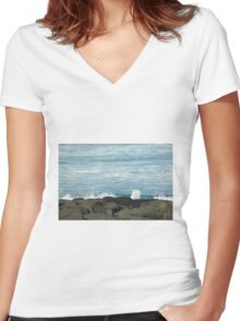 On the Rocks at Port Fairy, Great Ocean Road Women's Fitted V-Neck T-Shirt