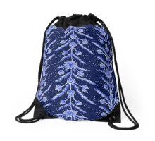 Blue flowers in Chinese vase Drawstring Bag