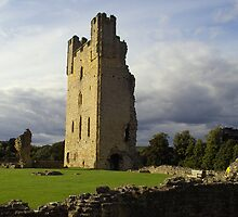 Helmsley Castle UK by ccsad