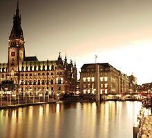 Hamburg, City Hall by Hilthart Pedersen
