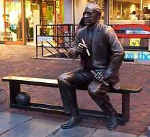 Red's Bench by phil decocco