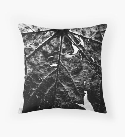Decaying leaf Throw Pillow