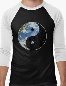 Earth / Space Yin Yang Symbol Men's Baseball ¾ T-Shirt