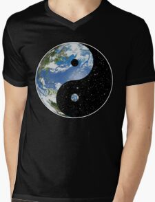 Earth / Space Yin Yang Symbol Mens V-Neck T-Shirt