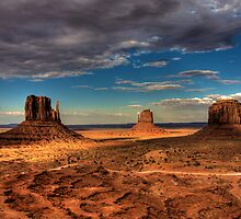 The Mittens of Monument Valley by njordphoto