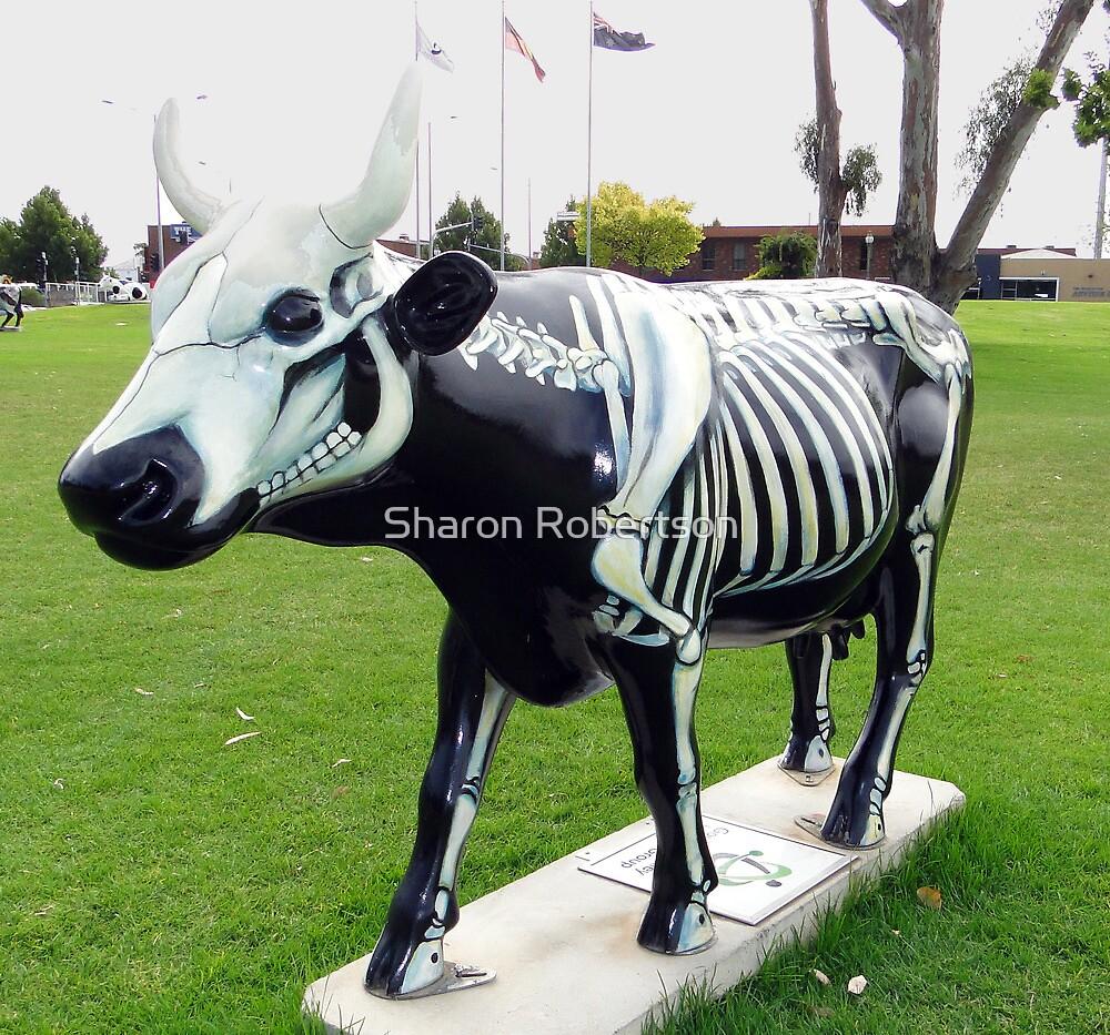 Shepparton Cows 18 by Sharon Robertson