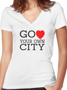 Go love (heart) your own city Women's Fitted V-Neck T-Shirt